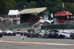 Start: Jarno Trulli, Team Lotus and Heikki Kovalainen, Team Lotus