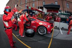 Pit stop for #62 Risi Competizione Ferrari F458 Italia: Jaime Melo, Toni Vilander