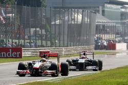 Lewis Hamilton, McLaren Mercedes, Rubens Barrichello, AT&T Williams