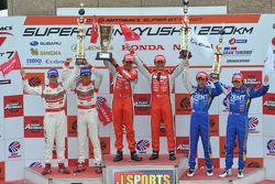 GT500 class podium: race winners Satoshi Motoyama, Benoit Tréluyer, second place Masataka Yanagida, Ronnie Quintarelli, third place Yuji Tachikawa, Kohei Hirate