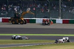 Bruno Senna, Renault F1 Team goes out, track