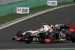 Bruno Senna, Renault F1 Team y Sergio Pérez, Sauber F1 Team