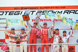 GT500 class podium: race winners Satoshi Motoyama, Benoit Tréluyer, second place Masataka Yanagida, Ronnie Quintarelli, third place Hiroaki Ishiura, Takuto Iguchi