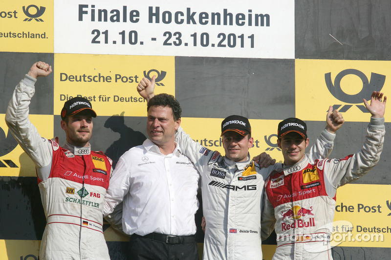 Su primer podio en la final de Hockenheim 2011 con Martin Tomczyk y Jamie Green