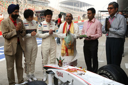 Sergio Perez, Sauber F1 Team and Kamui Kobayashi, Sauber F1 Team, Sauber F1 Team Indian blessing ceremony, car Puja