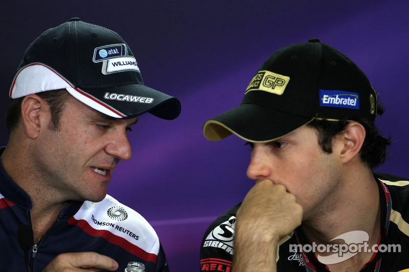 Rubens Barrichello, Williams F1 Team and Bruno Senna, Renault F1 Team