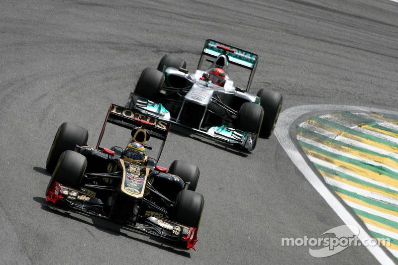 Bruno Senna, Renault F1 Team and Michael Schumacher, Mercedes GP