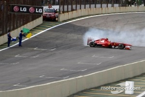 A few donuts from Felipe Massa for his supporters