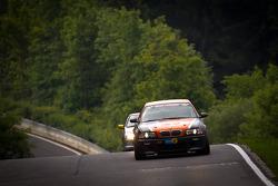 #207 BMW M3 E46: David Ackermann, Jens Riemer, Raphael Klingmann