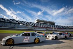 Brad Keselowski, Penske Racing Dodge, Denny Hamlin, Joe Gibbs Racing Toyota