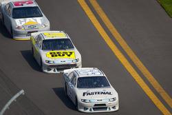 Carl Edwards, Roush Fenway Racing Ford and Matt Kenseth, Roush Fenway Racing Ford