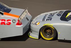 Drafting closeup: Kasey Kahne, Hendrick Motorsports Chevrolet and Jeff Gordon, Hendrick Motorsports Chevrolet