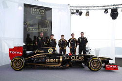 Eric Boullier, Team Principal, Lotus Renault F1 Team with Kimi Raikkonen, Lotus Renault F1 Team and