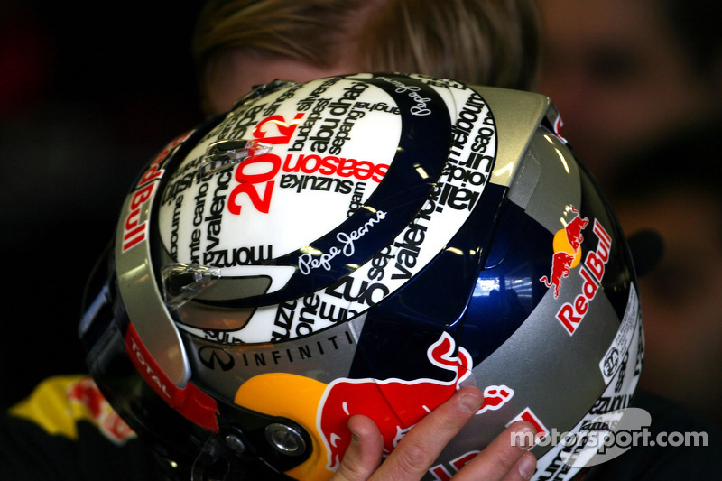Helm van Sebastian Vettel, Red Bull Racing