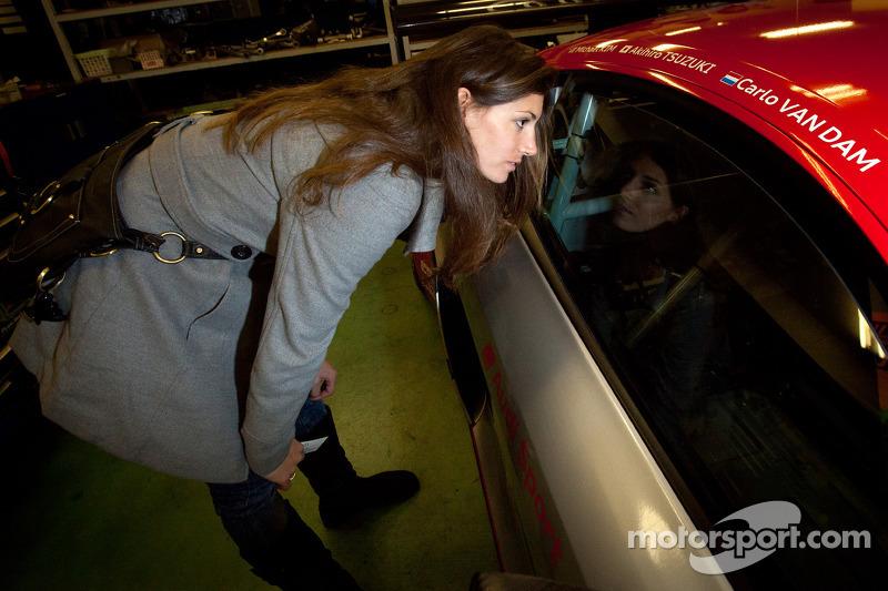 Hitotsuyama Racing Audi R8 LMS zitje passen voor Cyndie Allemann