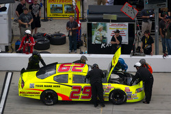 Pit stop for Sloan Henderson