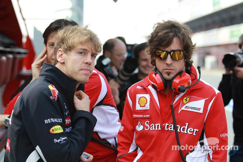 Sebastian Vettel, Red Bull Racing met Fernando Alonso, Scuderia Ferrari