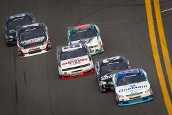 Elliott Sadler, Richard Childress Racing Chevrolet leads the field