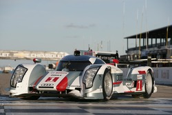 The 2012 Audi R18 e-tron quattro