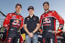 Макс Ферстаппен, Red Bull Racing, Джейми Уинкап, Triple Eight Race Engineering Holden и Шейн ван Гисберген, Triple Eight Race Engineering Holden