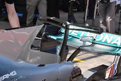 Т-образное крыло Mercedes AMG F1 W08