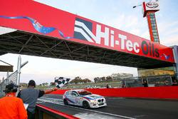 Race winner Luke Searle, Paul Morris, Barry Graham, BMW M135i Hatch F20