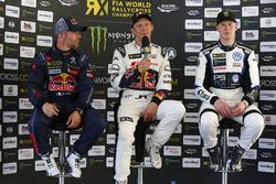 Победитель Маттиас Экстрём, EKS, второе место – Себастьен Лёб, Team Peugeot Hansen, третье место – Йохан Кристофферссон, PSRX Volkswagen Sweden
