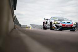 Marcus Hoggarth, Matthew Graham, In2Racing, McLaren 570S GT4