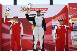 Coppa Shell Podyum: Yarış galibi Barry Zekelman, 2. Osvalgo Gaio, 3. Murray Rothlander