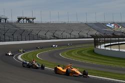 Fernando Alonso, Andretti Autosport Honda, James Hinchcliffe, Schmidt Peterson Motorsports Honda