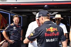 Christian Horner, director de Red Bull Racing, Max Verstappen, Red Bull Racing y Jean-Claude Biver CEO de TAG Heuer