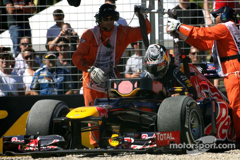 Sebastian Vettel, Red Bull Racing gaat van de baan in FP3