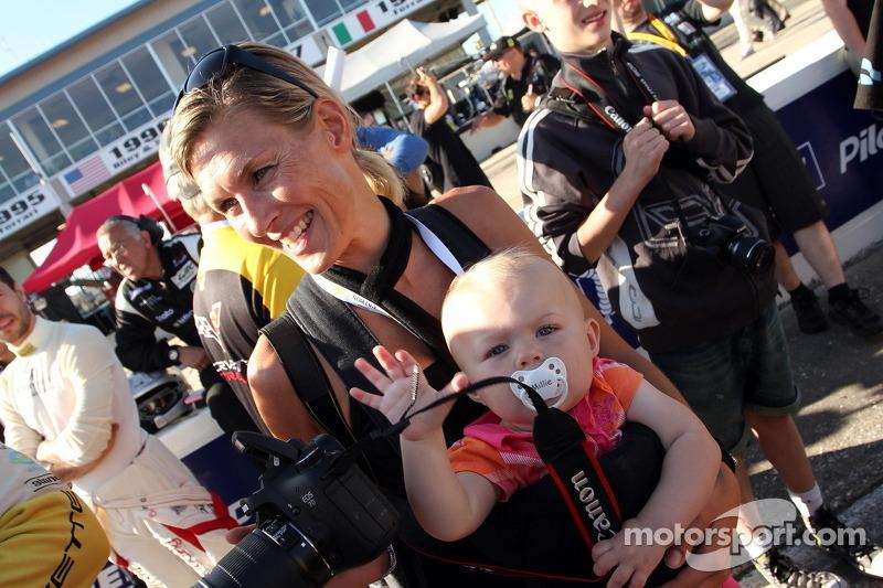 Jan Magnussen met vrouw en kind