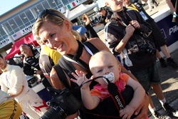 Jan Magnussen's wife and child