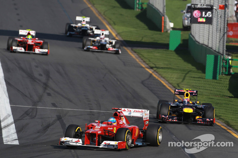 Fernando Alonso, Scuderia Ferrari voor Mark Webber, Red Bull Racing