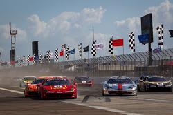 Start: #24 Ferrari of Beverly Hills 458TP: Carlos Kauffmann hit by #77 Ferrari of Beverly Hills 458TP: Harry Cheung