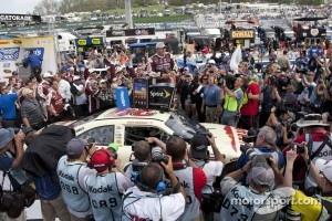 Victory lane: race winner Ryan Newman, Stewart-Haas Racing Chevrolet