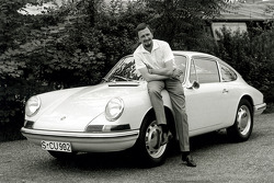 Porsche Typ 901 (T8), next to model: Ferdinand Alexander Porsche (1963)