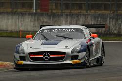 #1 Heico Gravity-Charouz Team Mercedes SLS AMG GT3: Dominik Baumann, Maximilian Buhk