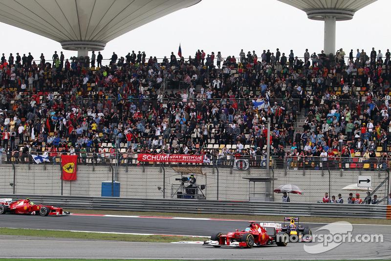 Sebastian Vettel, Red Bull Racing voor Mark Webber, Red Bull Racing