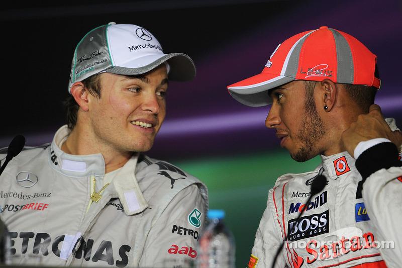 basın toplantısı: Yarış galibi Nico Rosberg, Mercedes AMG F1, 3. Lewis Hamilton, McLaren