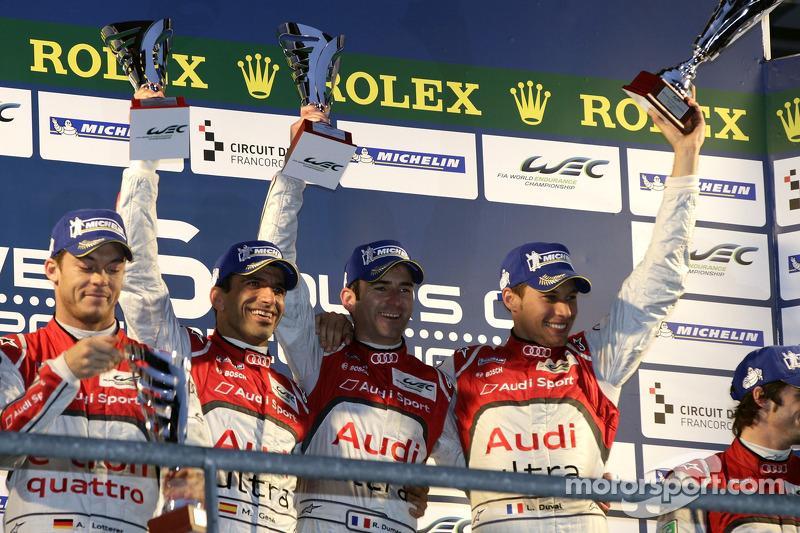 LMP1 Podium: winnaars: Romain Dumas, Loic Duval, Marc Gene