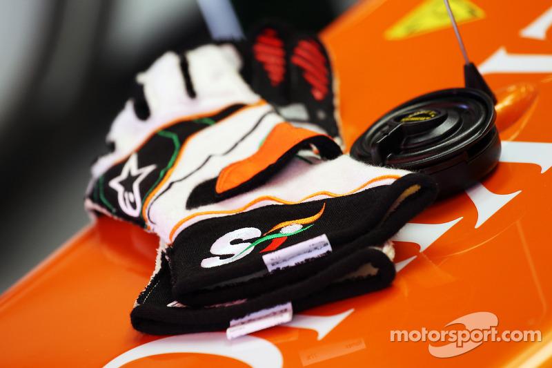 Рукавички пілота, Sahara Force India F1