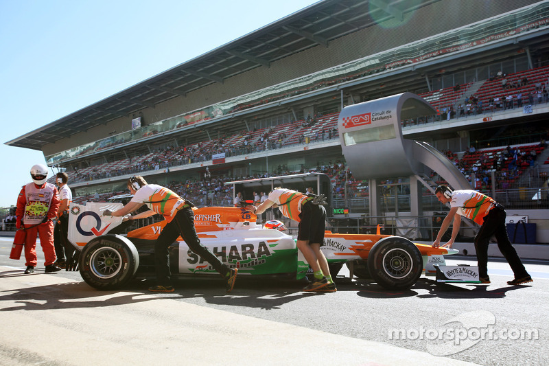 Jules Bianchi, Sahara Force India F1 Team in de pits
