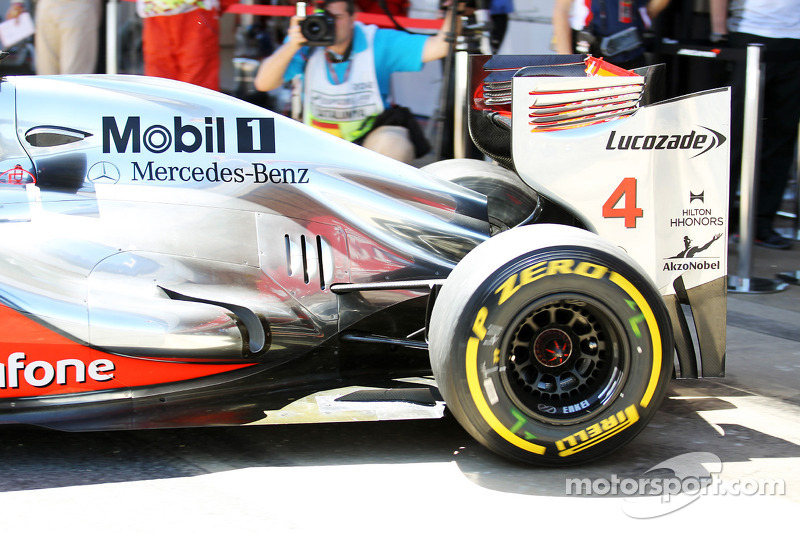 Lewis Hamilton, McLaren uitlaat en ophanging