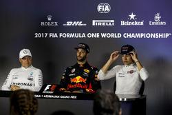 الفائز بالسباق دانيال ريكاردو، ريد بُل ريسينغ، المركز الثاني فالتيري بوتاس، مرسيدس، المركز الثالث لانس سترول، ويليامز
