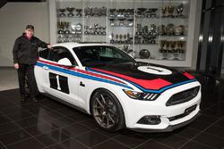 Tickford Mustang GT ve Allan Moffat