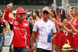 Fernando Alonso, Scuderia Ferrari and Lewis Hamilton, McLaren on the drivers parade