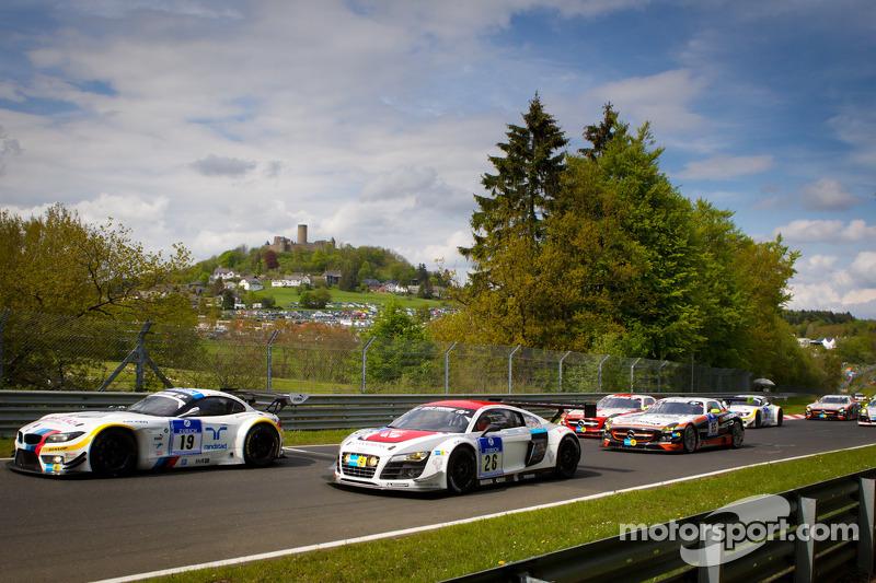 Formatieronde: #19 BMW Team Schubert BMW Z4 GT3: Jörg Müller, Dirk Müller, Uwe Alzen, Dirk Adorf and