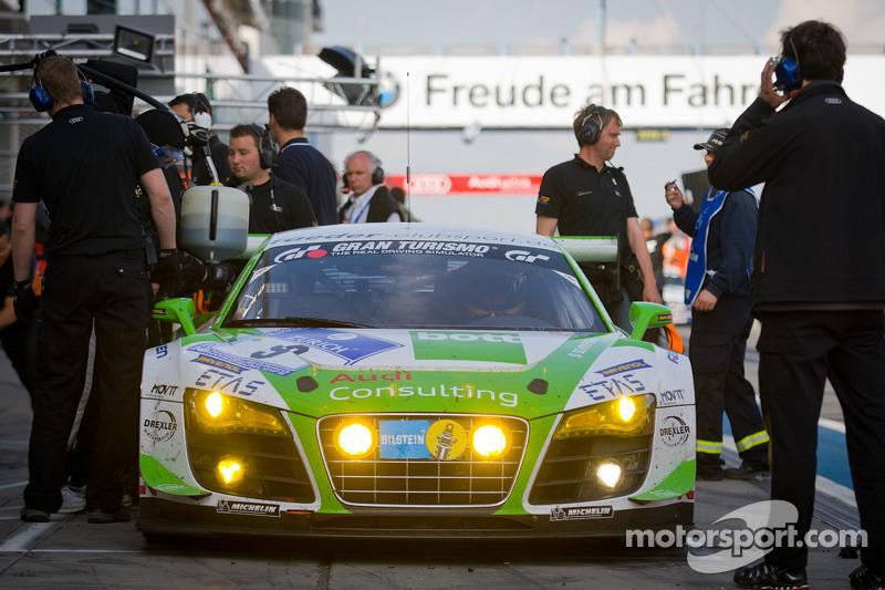 Pit stop for #9 Raeder Motorsport Audi R8 LMS Ultra: Frank Biela, Christian Hohenadel, Luca Ludwig, Thomas Mutsch